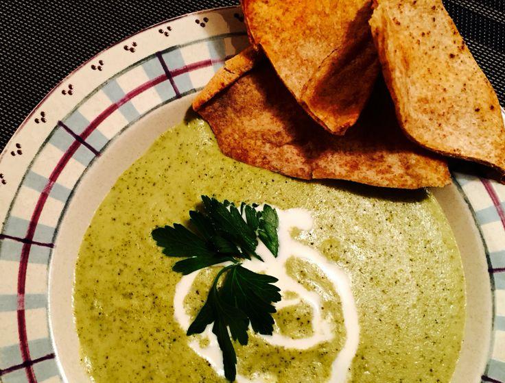 Crème de brocoli et ses croustilles