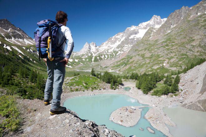 Dalla sfida delle Dolomiti al lungomare del Salento, dalla giungla urbana di Roma alle cale della Sardegna. La nostra Penisola è fatta per camminare