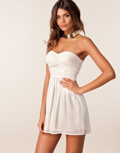 Axellös klänning