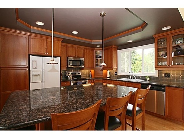 Kitchen Open To Dining With Island Bar Split Level Homes