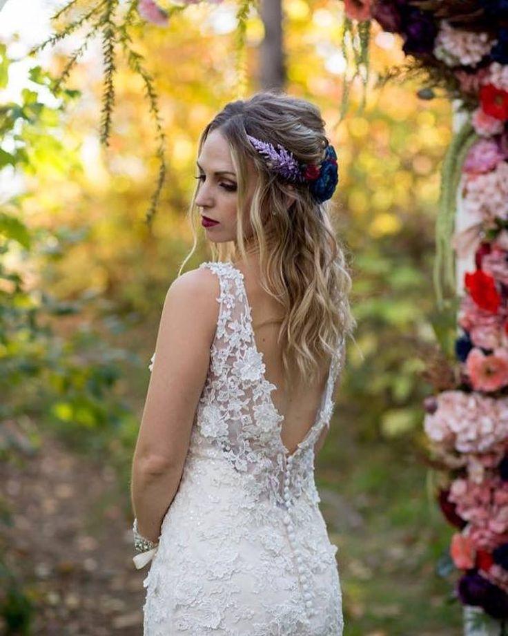 #cldesigns #cldesignteam #maghoodphotography #whimsicalceremony #outdoorceremony #fauxflowers #bridalheadpiece #floralswag #ceremonyarchway #newbrunswickweddings