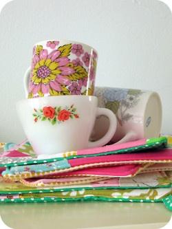 assorted vintage mugs