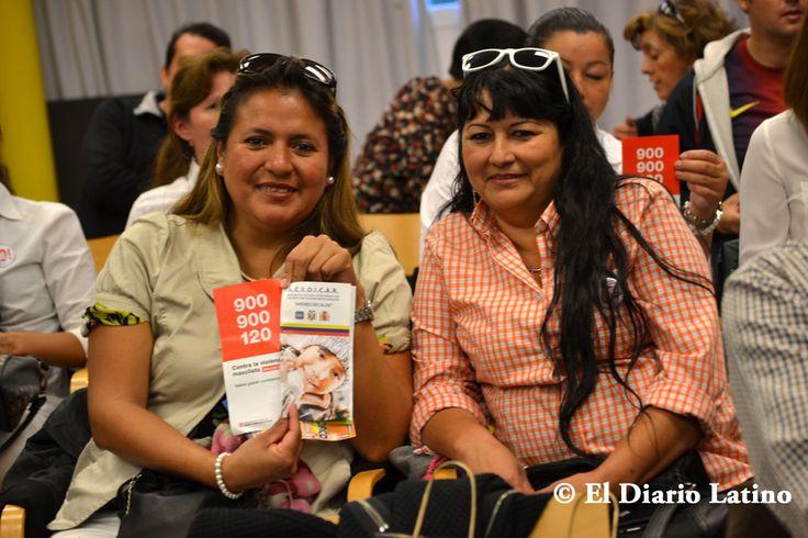 """Mujeres latinas de diversas organizaciones participaron como cada año en este encuentro. Este fin de semana se desarrolló en el Centro Cívico La Bóbila en L´Hospitalet, la Tercera Edición del Taller """"Una reflexión contra la violencia de género"""" y que reunió a destacados expertos de diversas áreas que hablaron sobre esta problemática."""
