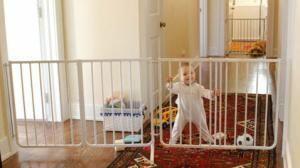 Cardinal Extendable Baby & Dog Gate