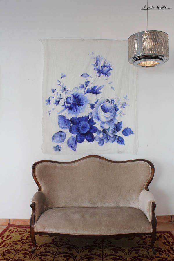 Lámpara customizada, tapiz arty pintado y sofá restaurado by el rincón del arte
