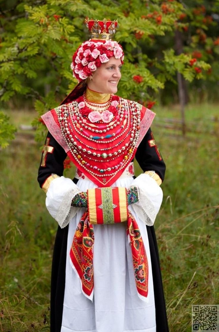 Traditional Clothes Around The World