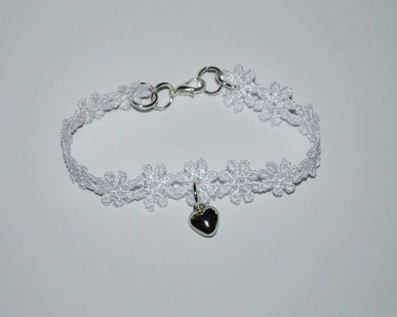 White Lace bracelet with heart