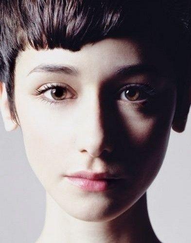 •。左 •。Cecilia Mendez。短发也可以很好看