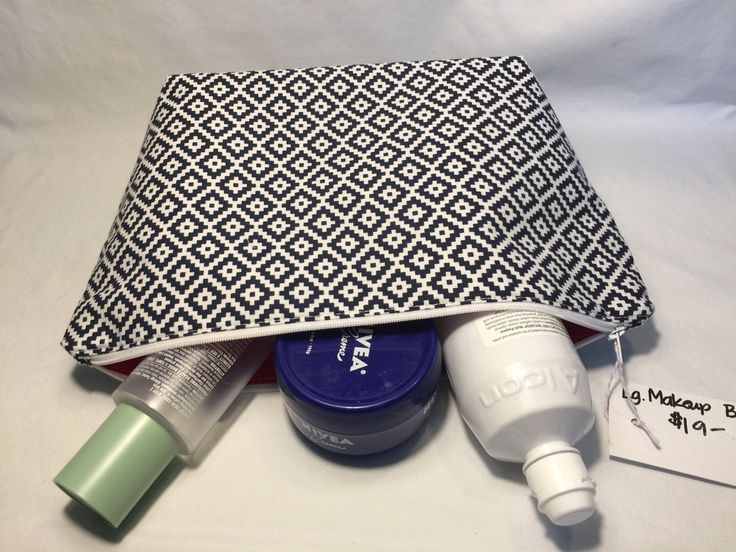 how to make a toiletry bag