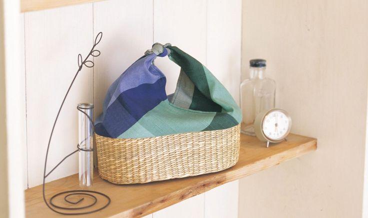 100均のかごと布で手軽に浴衣に合うバッグが作れるのをご存じですか? 浴衣に合うバッグがなかなかみつからない事ありますよね。是非自分好みの、浴衣に合ったバッグを手作りしてみてください♪ リーズナブルなので毎年好きなものを作れるのは嬉しいですよね♪
