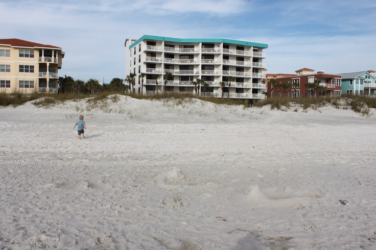 My favorite home away from home chambre madeira beach for Chambre condos madeira beach florida