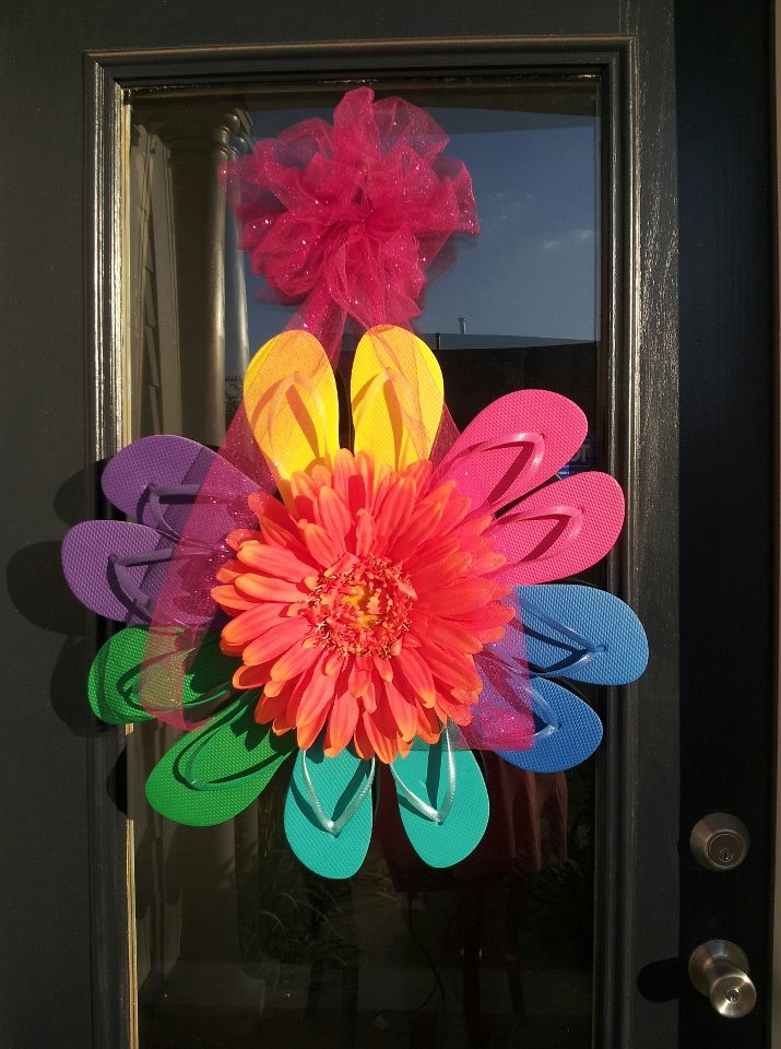 My flip flop wreath, made by my awesome Mom! Love it!