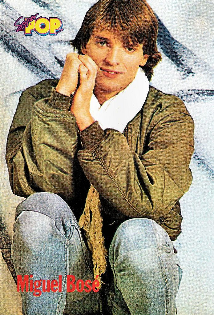 https://flic.kr/p/w8jExo   Miguel Bosé   Spanish postcard in the series Tus Idolos by Super Pop Tu revista.  Handsome Spanish singer and actor Miguel Bosé (1956) was a major teen idol in Southern Europe between 1977 and 1982. Later he became popular in Latin America.