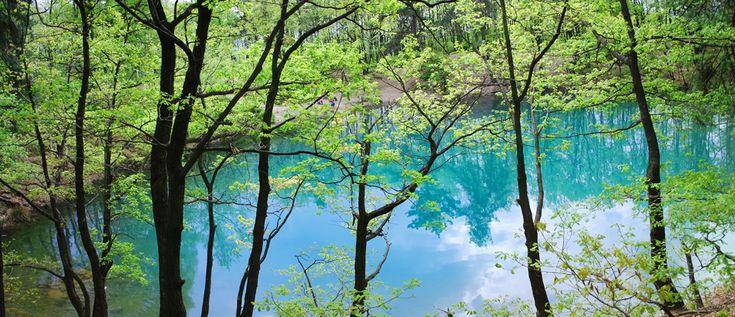 Lacul Albastru, Baia Sprie - singurul lac din lume care isi schimba culoarea, in functie de lumina si de oamenii care inoata sau nu in apele sale.