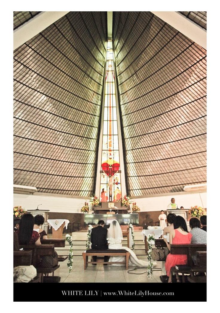 Church jakarta wedding photographer , white lily wedding photography
