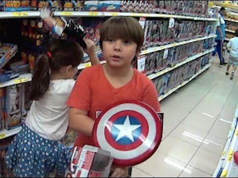 Vingadores Homem Aranha Homem de Ferro Capitão América Crianças Brincand...