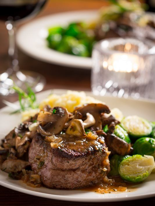 8 Mouthwatering Recipes For a Romantic Dinner!