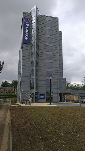 Travelodge, Hemel Hempstead  Curtain walling, windows and automatic doors by Duplus Architectural Systems Ltd. Tel 0116 2610 710 or visit www.duplus.co.uk