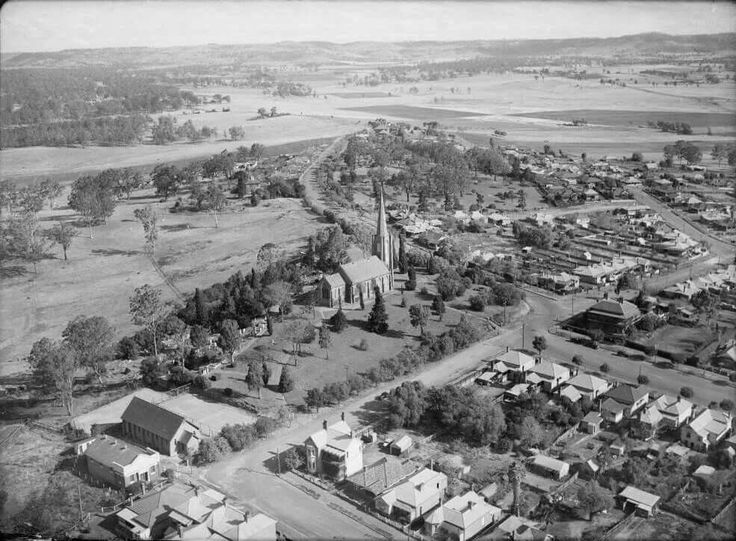 Camden in southwestern Sydney   in 1940,showing St John's Church as the main building.