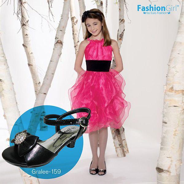 Viste elegante desde niña con estos hermosos zapatos de tacón bajo abiertos que lucen muy bien con vestidos de flecos o vuelos a la rodilla y combinan con cualquier color. (Estilo: Gralee-159)