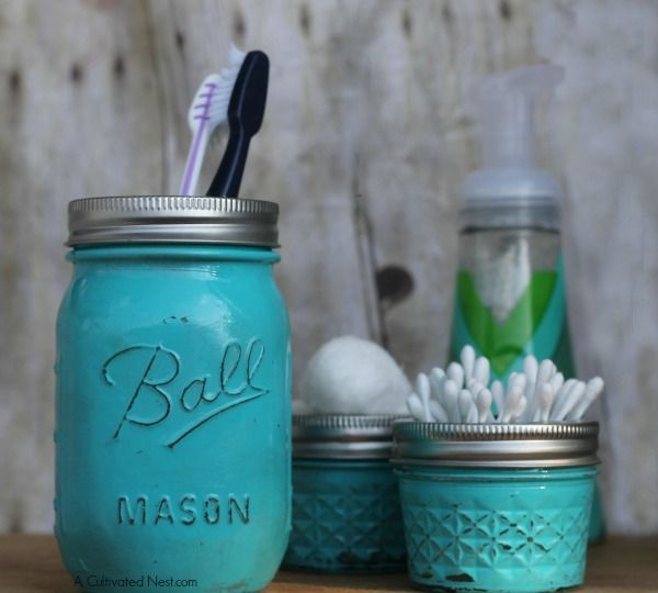 DIY Painted Mason Jar Bathroom Organizers