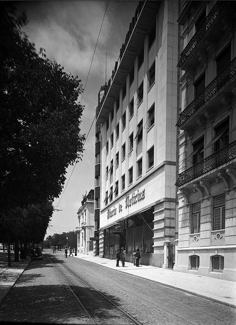 Avenida da Liberdade, Lisboa, Portugal by Biblioteca de Arte-Fundação Calouste Gulbenkian, via Flickr