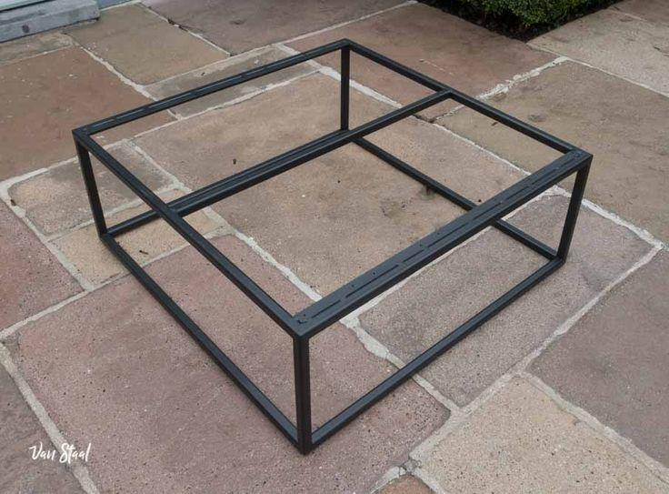 Industriële tafels op maat - Van Staal helpt graag uw ideeën realiseren. Vraag een vrijblijvende offerte aan op: www.vanstaal.be