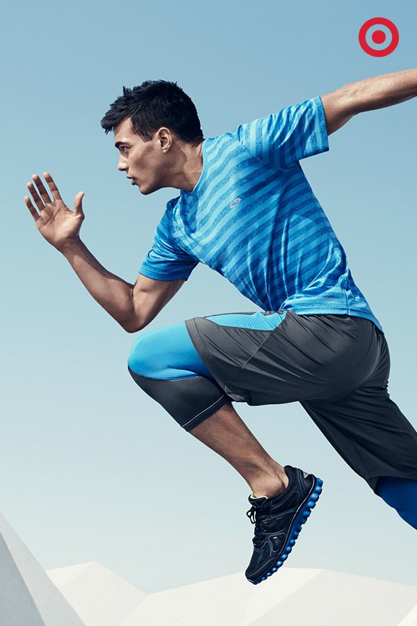 Go like whoa during your workout no matter how warm it is outdoors. The C9 Champion Striped Tech T-Shirt, Premium Training Shorts and Powercore Compression 3/4 Length Tights layer on with light, breathable fabric and moisture-wicking technology.