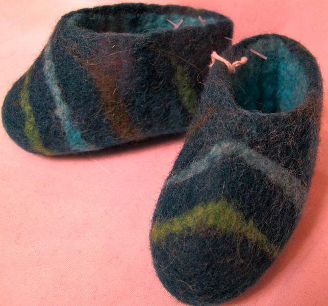 27 best adult hand felted house shoes images on pinterest mother earth felt and inside shoes. Black Bedroom Furniture Sets. Home Design Ideas
