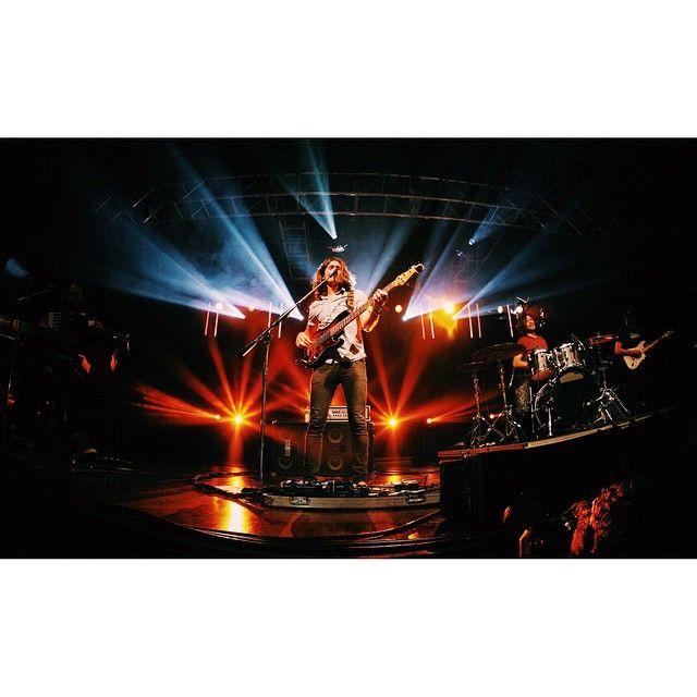 Dylan Kongos @dylan.kongos @kongosmusic #dylan #dylankongos #kongos #music #lollaparties #live #liveconcert #t4f