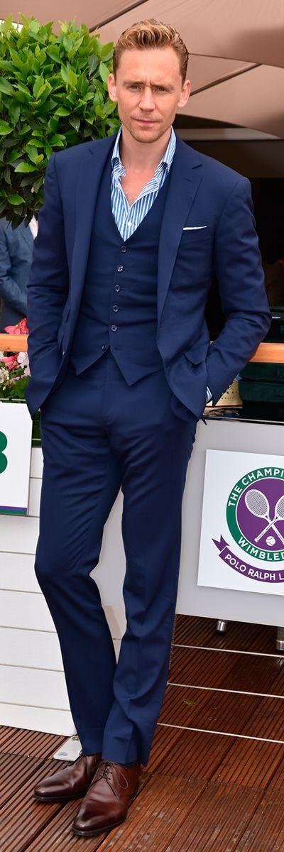 Tom Hiddleston at Wimbledon on July 8 2015 in London England. Via Torrilla (https://m.weibo.cn/status/4127340747819451#&gid=1&pid=9 ) Larger: https://wx2.sinaimg.cn/large/6e14d388gy1fhcrmydwc1j20rs15o4qp.jpg