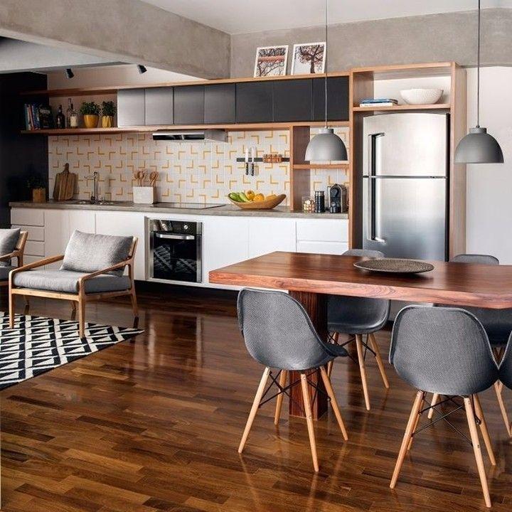 #wnętrza #jadalnia #kuchnia #trendy #aranżacje #mieszkanie #meble #drewno  #inspiracje #domiwnetrze Proj. Diogo Luz i José Guilherme Carceles  Renato Navarro