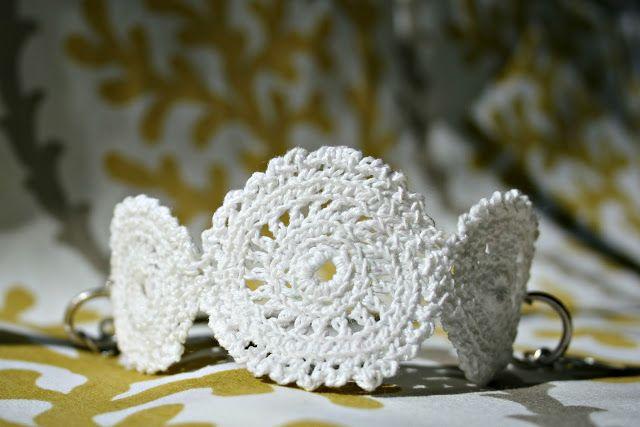 Tutorial for crochet bracelet. Two Sisters, One mess: Tuto bracelet au crochet , Challenge 12 mois, 12 projets*