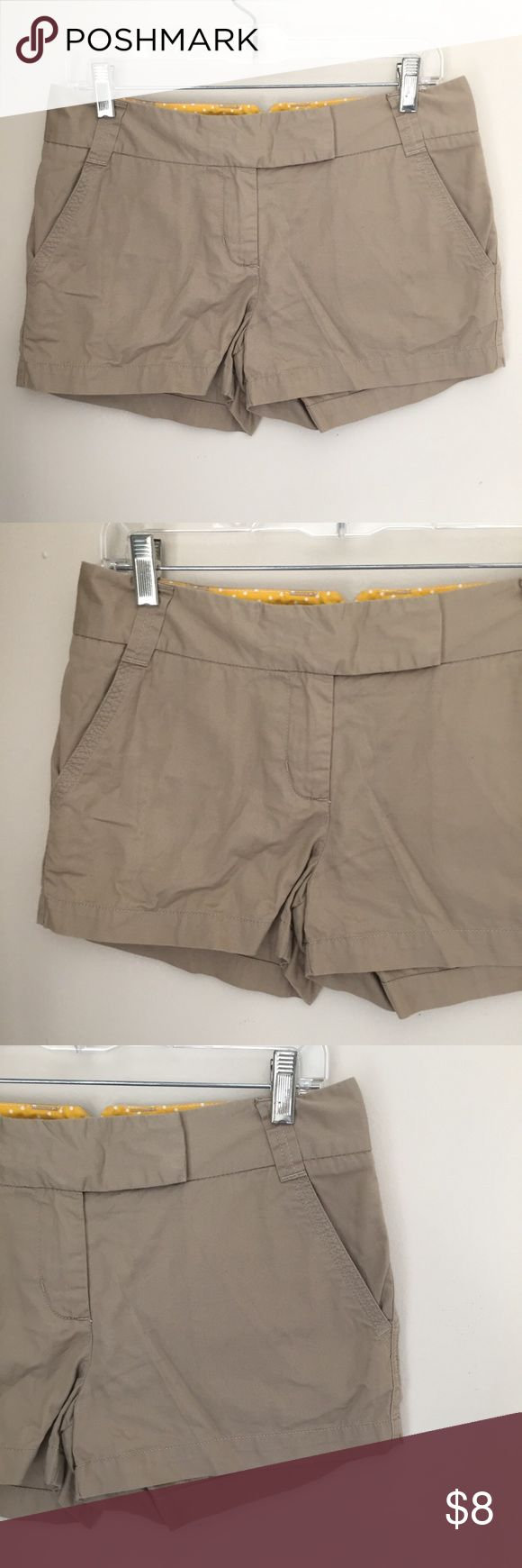 "Women's Khaki Shorts J Crew Tan Chino Short 4 11"" Long 16"" Wide 3"" Inseam  Casual and classic short.  Perfect to pack for vacation. J Crew Shorts"