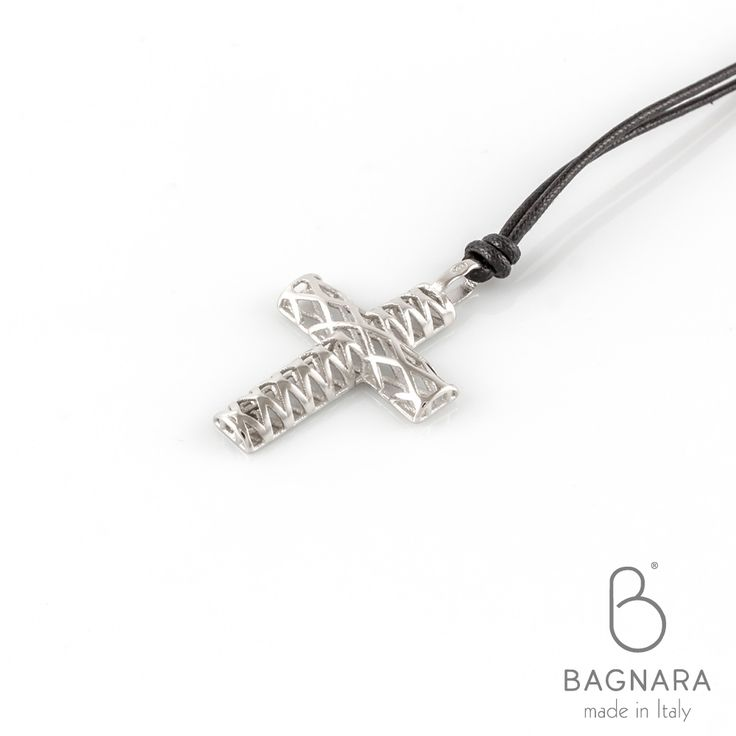 Collana con Pendente 3D Argento 925 - Croce Media • Necklace with 3D Sterling Silver Pendant - Medium Cross