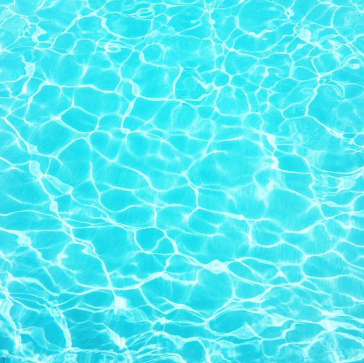 Mood  #swimmingpool #cocktails #summervibes #vacay #sunnysunday #glitziepool #bikinibabes #happysunday by amandavaneffrink