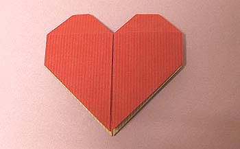 保存版・ハートの折り方&作り方ページです。 折り紙で便箋で、などなど楽しんでくださいないっぱいあるとかわいいですね。紙のハートの作り方A,B,に続いても...