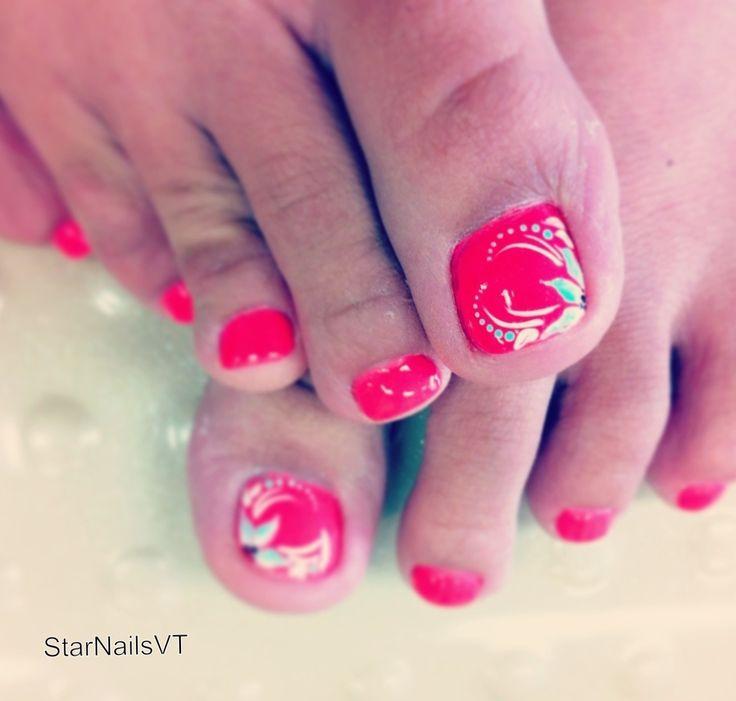 Toe nail design  - popculturez.com. Love the intricate design, very delicate!