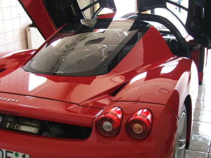Auto wrapping on sport cars