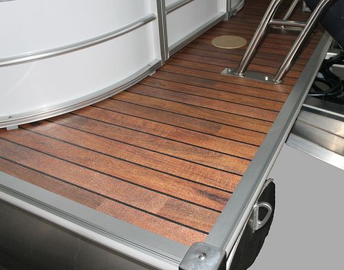 2013 Sylvan Mirage LE Optional Vinyl Teak! A beautiful touch to a cutting edge pontoon boat!