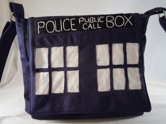 Whoa I might actually be able to make this.: Spaces, Diy Tardis, Messenger Bags, Bags Dr., Keys, Laptops, Doctors, Tardis Bags, Tardis Messenger