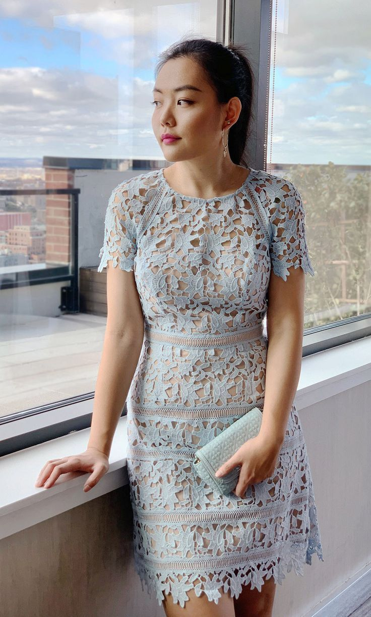 Holiday Party Outfit Ideas - Effortless   Elegant  9fca86ddf3691