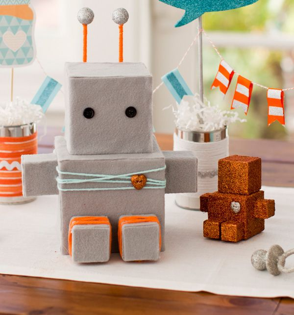 This would be a great basic robot design.  I am thinking adding mustaches and blue hearts for a boy purple bows and pink hearts for girls...:)