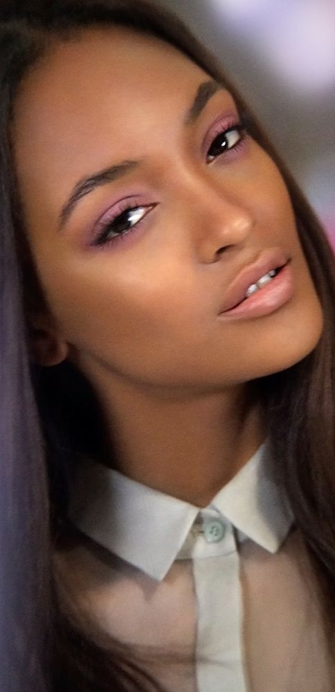 Discover English Rose, the new Burberry Make-up campaign for Spring/Summer 2014 featuring British model Jourdan Dunn