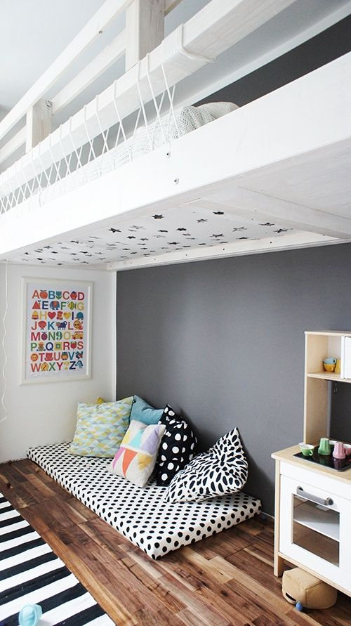 Mommo Design: SLEEP AND PLAY   Loft Beds Rivers Mattress, Reading Nook,  Triangle Quilt