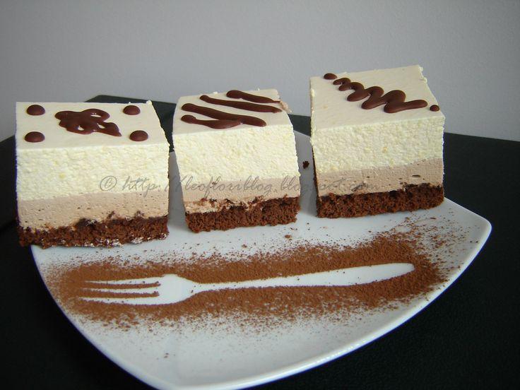 Prajitura cu mousse de ciocolata si mousse de piersici