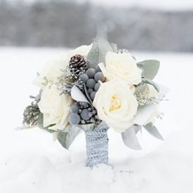 A blue and silver winter wedding at the lodge at Camp Kon-O-Kwee by Alison Mish Photography.