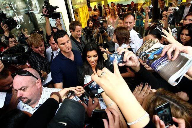 http://forum.purseblog.com/celebrity-news-and-gossip/the-kim-kardashian-thread-14-a-670121-24.html