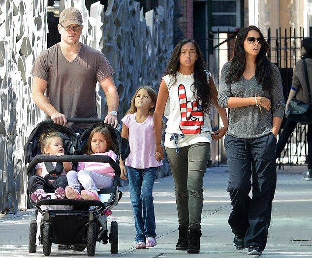 Matt Damon And His Daughters | Surrounded by his girls: Matt Damon pushes his daughters Gia and ...