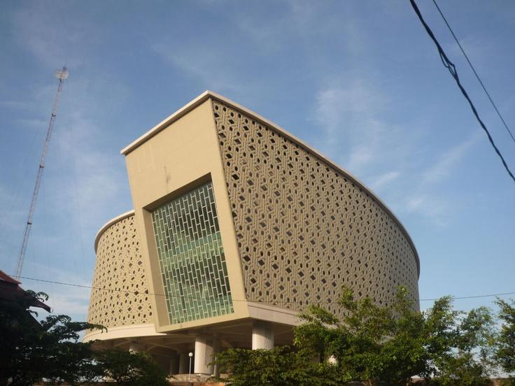 As Escape Hill Rumoh Aceh, Tsunami Museum design by architect Ridwan Kamil ( Indonesia )